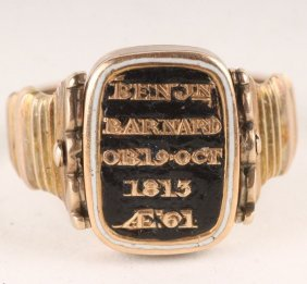 1: An unusual late George III gold mourning ring, cir