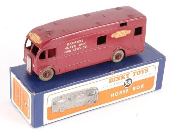 A Dinky No.581, Horse Box 'British Railways',  mar