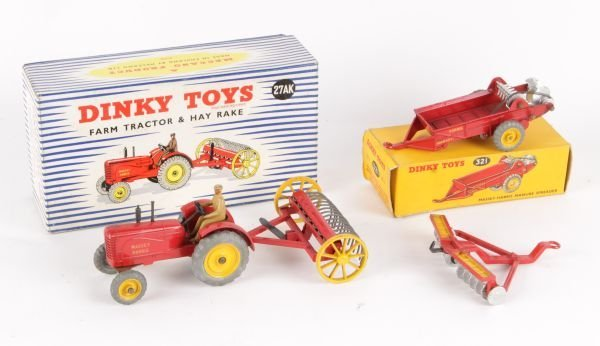 A Dinky No.27AK, Massey Harris Farm Tractor   Hay