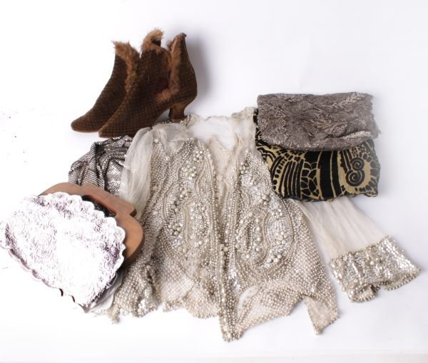 A collection of early 20th century costume and acc
