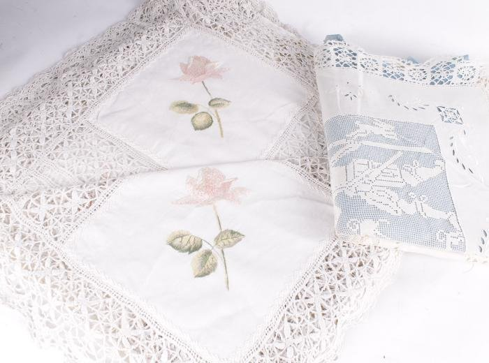 A collection of household linens,  comprising a la