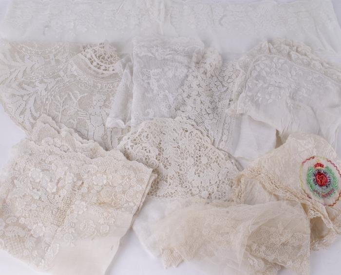 A 19th century lace handkerchief,  with Youghal la