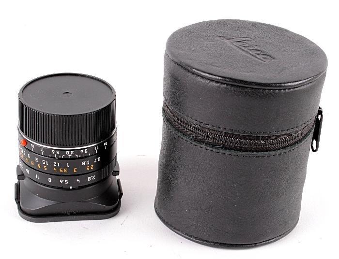 A Leica Elmarit-M 1:2.8/28mm asph. lens,  black fi
