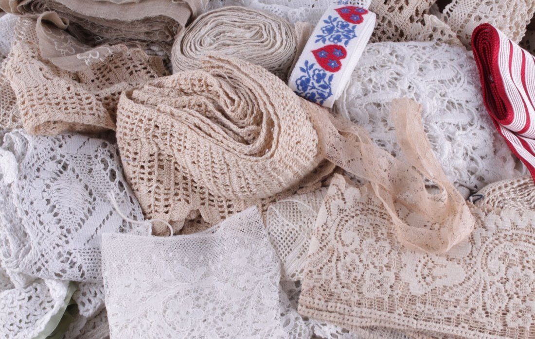 A pair of fine muslin 19th century dress sleeves;