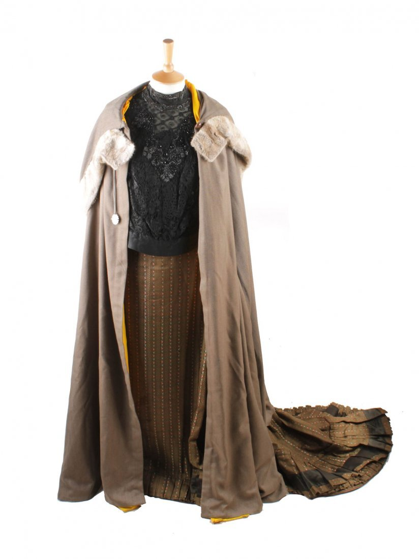A quantity of Victorian and Edwardian ladies costume,