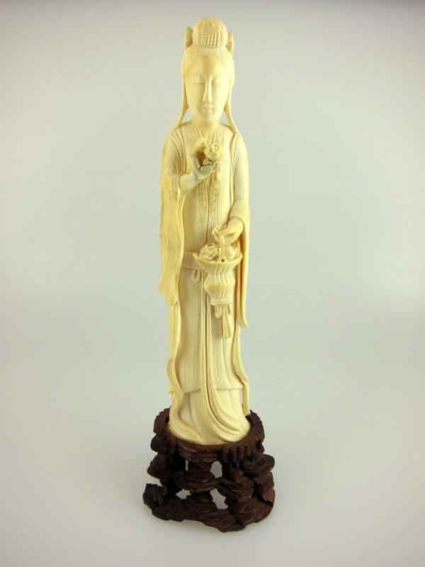 3: Chinese Ivory Kan Yi Figure