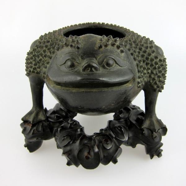 13: Fine Chinese Bronze Incense Burner