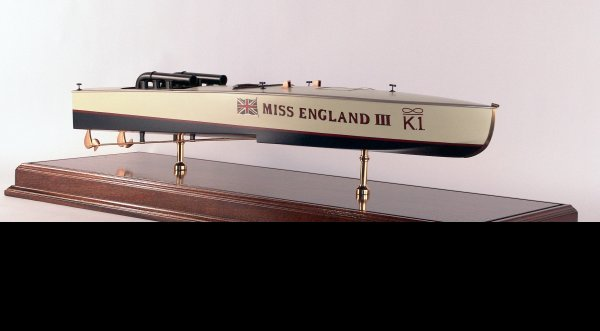 "1010: Harmsworth Trophy Winner ""Miss England III"""