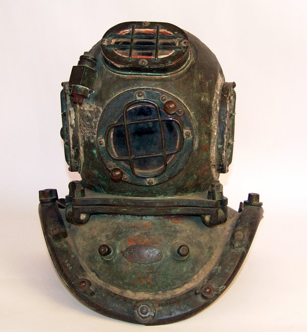 1143: Otis Barton Diving Helmet.