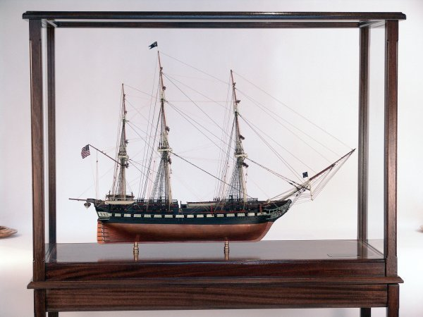 1155: Model of the American frigate USS Constitution.