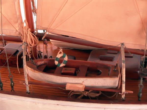 1185: Antique schooner yacht model. - 3