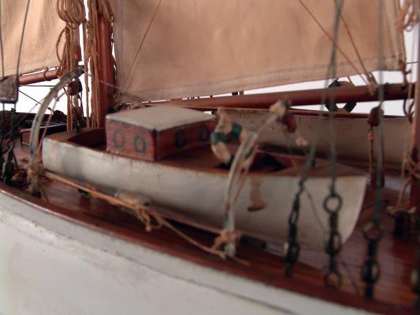 1185: Antique schooner yacht model. - 4