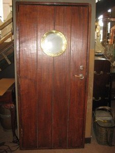 1059: Ship's door with porthole.