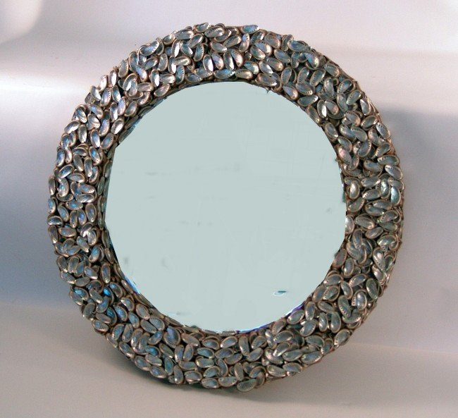 1052: Very large shell mirror
