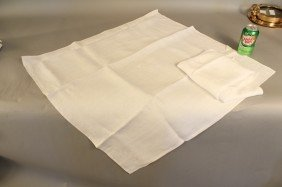 1006: Pair of fine linen napkins from J.P. Morgan's yac