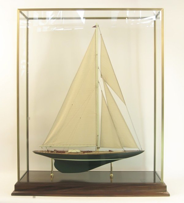 "1018: Model of America's Cup yacht ""Shamrock V"""