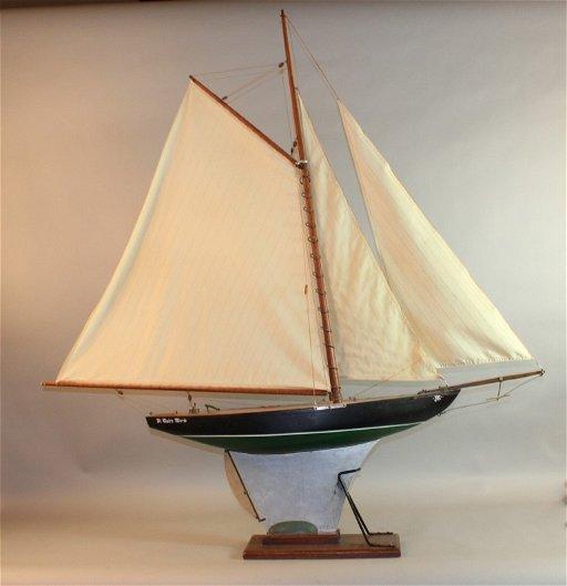 183: Vintage Gaff Rigged Pond Yacht