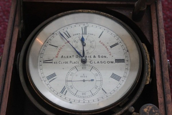 Ship's chronometer by Alex Dobbie & Son - 2