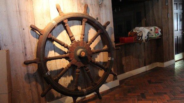 Ten spoke ship's wheel