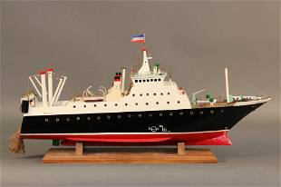 Ship Model of a Deep Sea Dragger