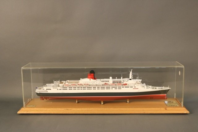 Cased Ship Model of Ocean Liner QE2 - 2
