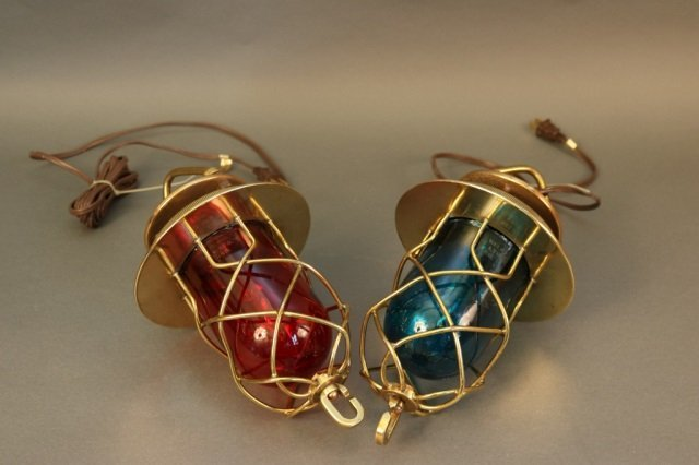 Pair of Grapevine Ship's Convoy Lights