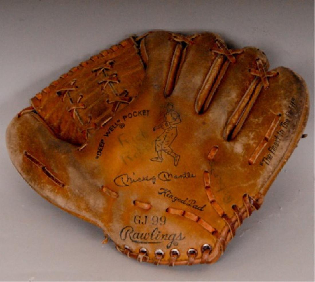 20 Vintage Baseball Gloves - 3