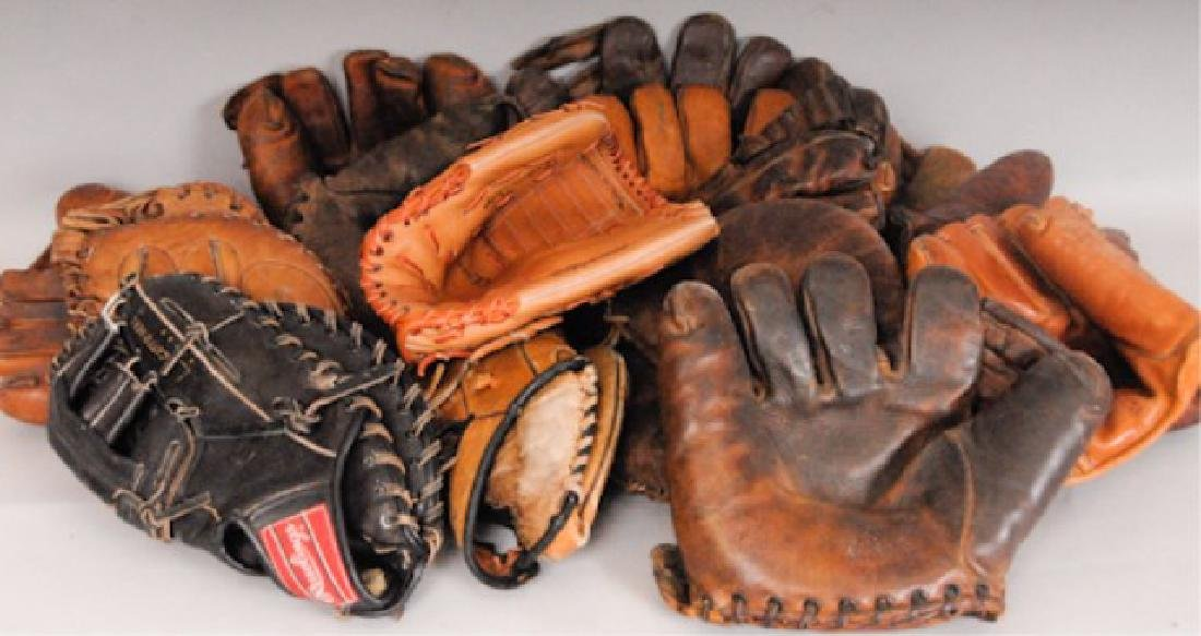 20 Vintage Baseball Gloves - 8