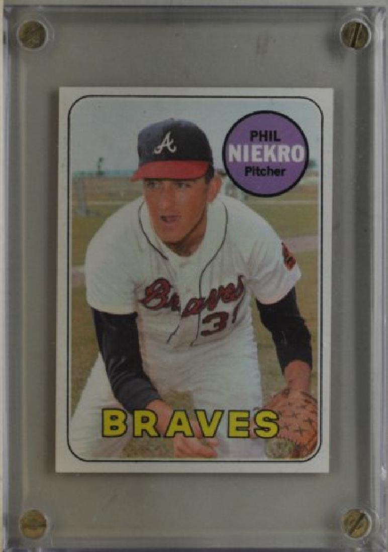 1969 Phil Niekro Topps #355 Baseball Card