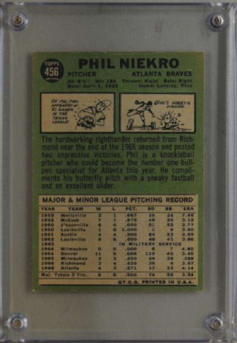 1967 Phil Niekro Topps #456 Baseball Card - 2