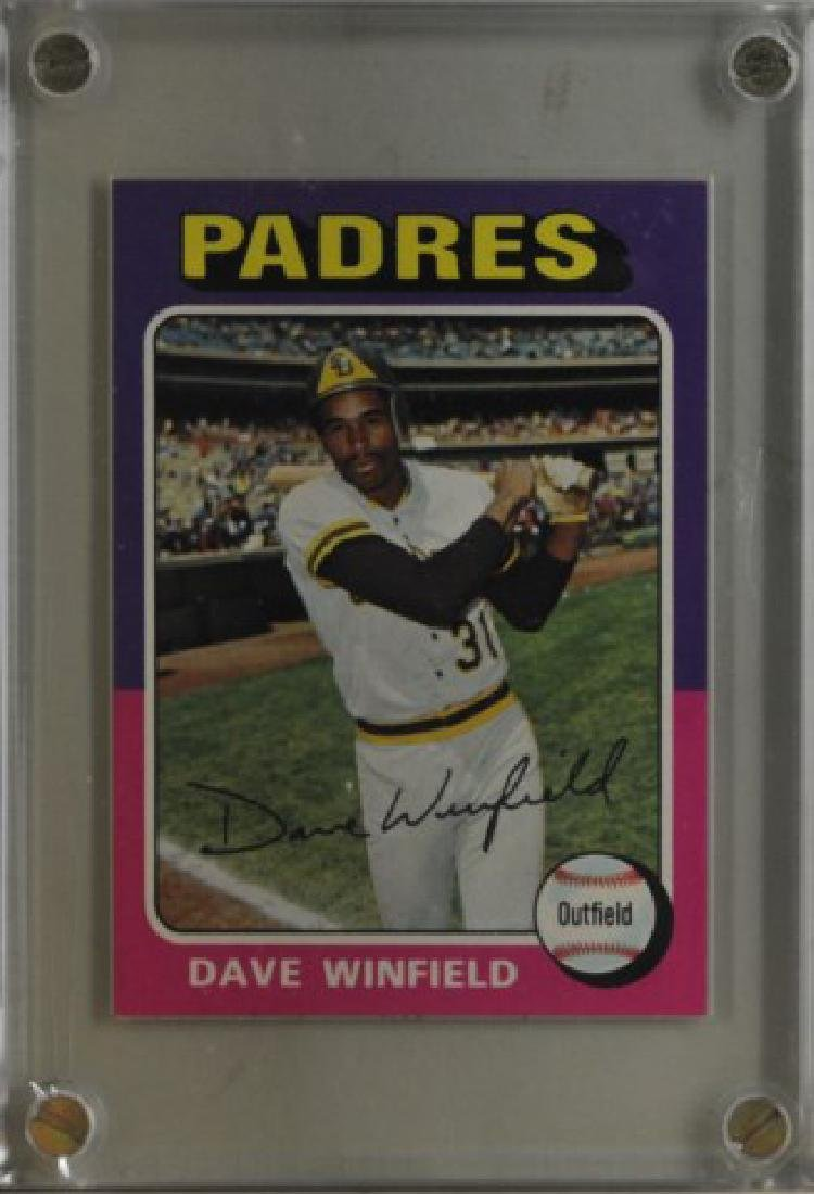 1975 Dave Winfield Topps Baseball Card