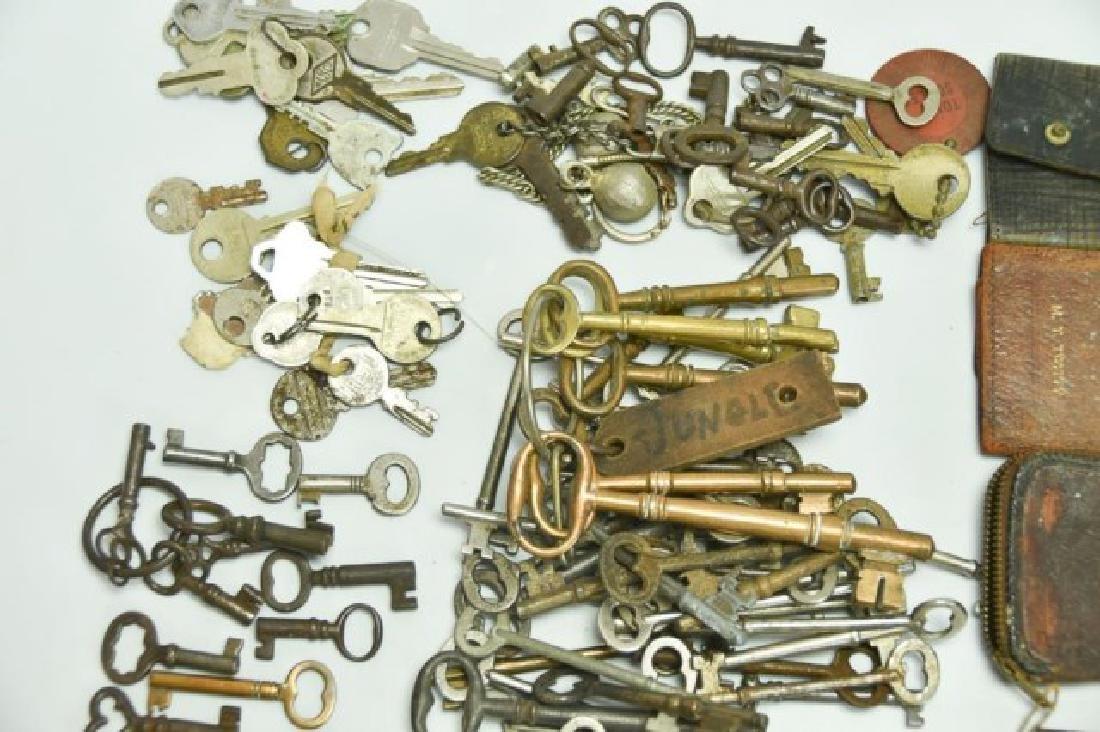 Lot of Over 160 Keys - 2