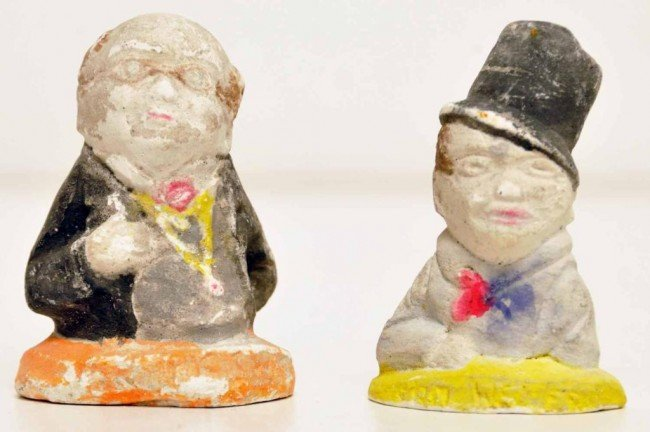 11: Pair of Small Charles Dickens Chalkware Figures
