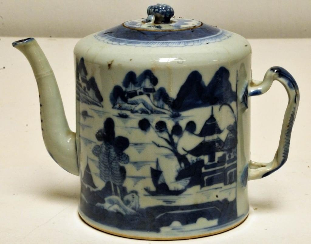 21: Chinese Export Porcelain Canton Teapot