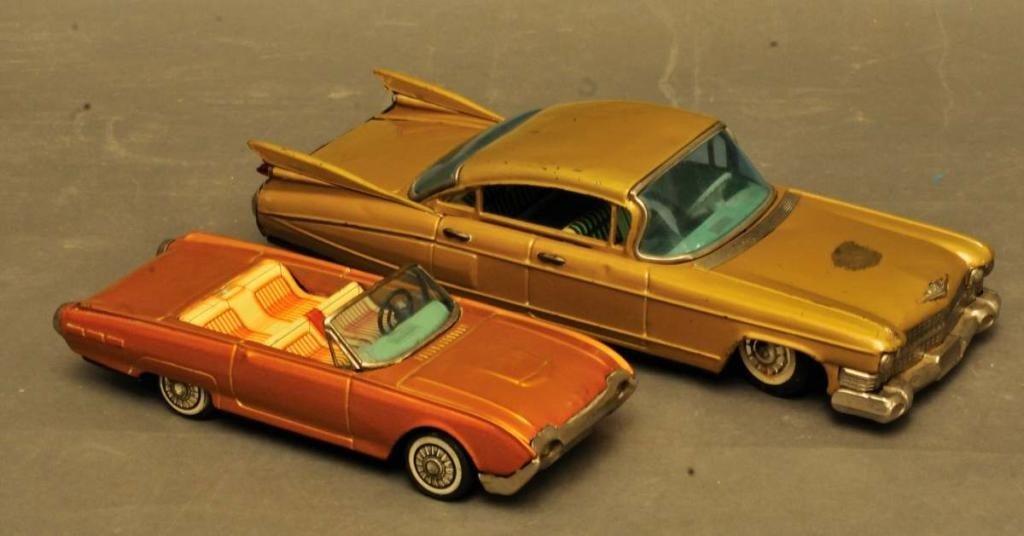 19: Bandai Cadillac and Ford Thunderbird