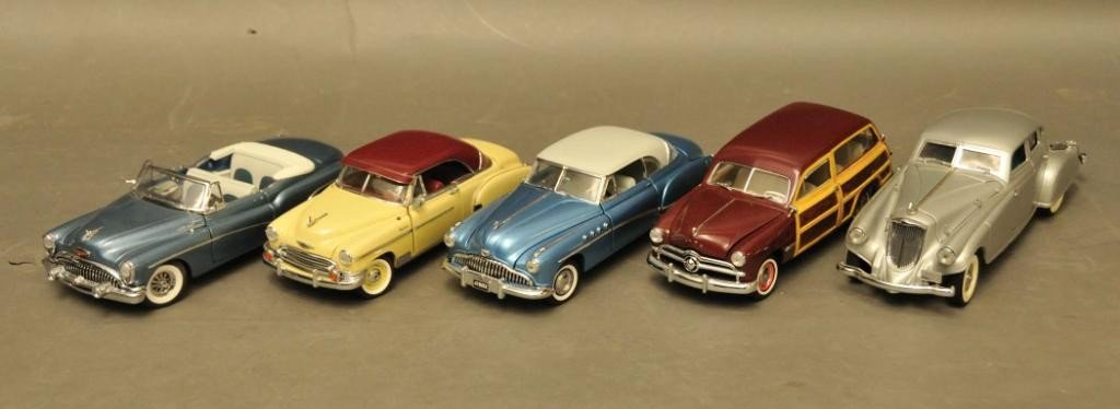 21: Five Danbury & Franklin Mint Collector Cars