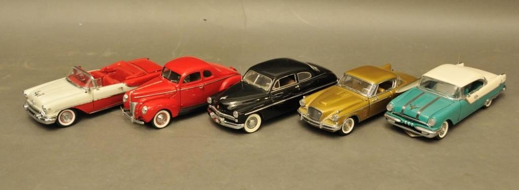 22: Five Danbury & Franklin Mint Collector Cars
