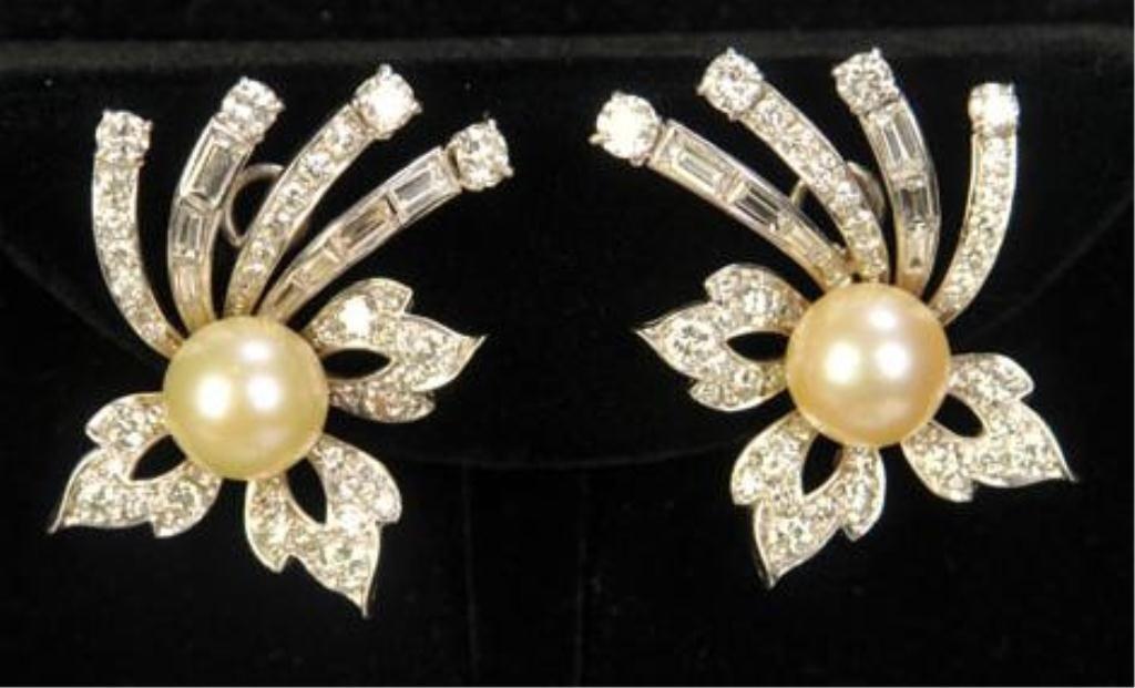 440: Pr. 14 kt. White Gold Diamond & Pearl Earrings
