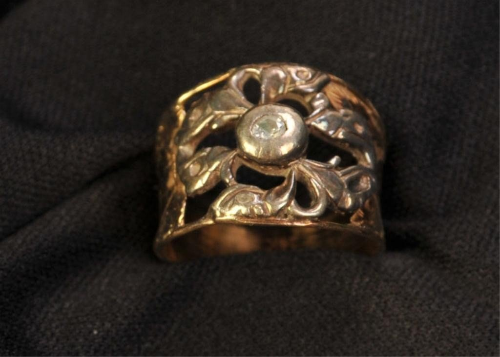 467: Vintage 14 kt. Gold and Diamond Ring