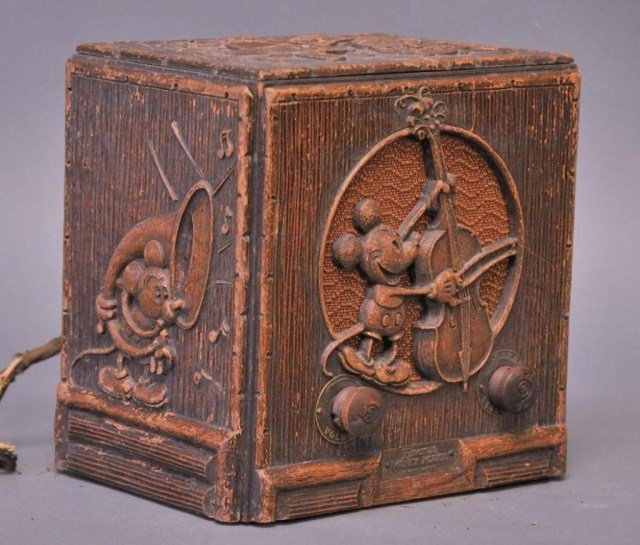 118: 1930s Emerson Mickey Mouse Radio
