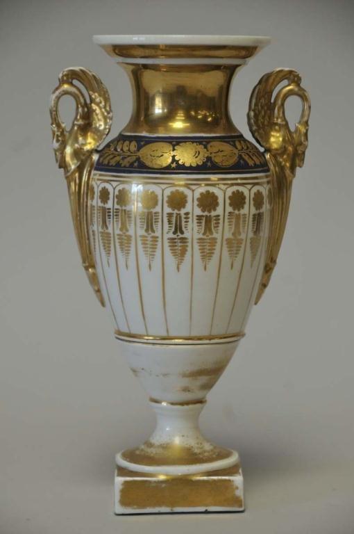 Old Paris Porcelain Urn