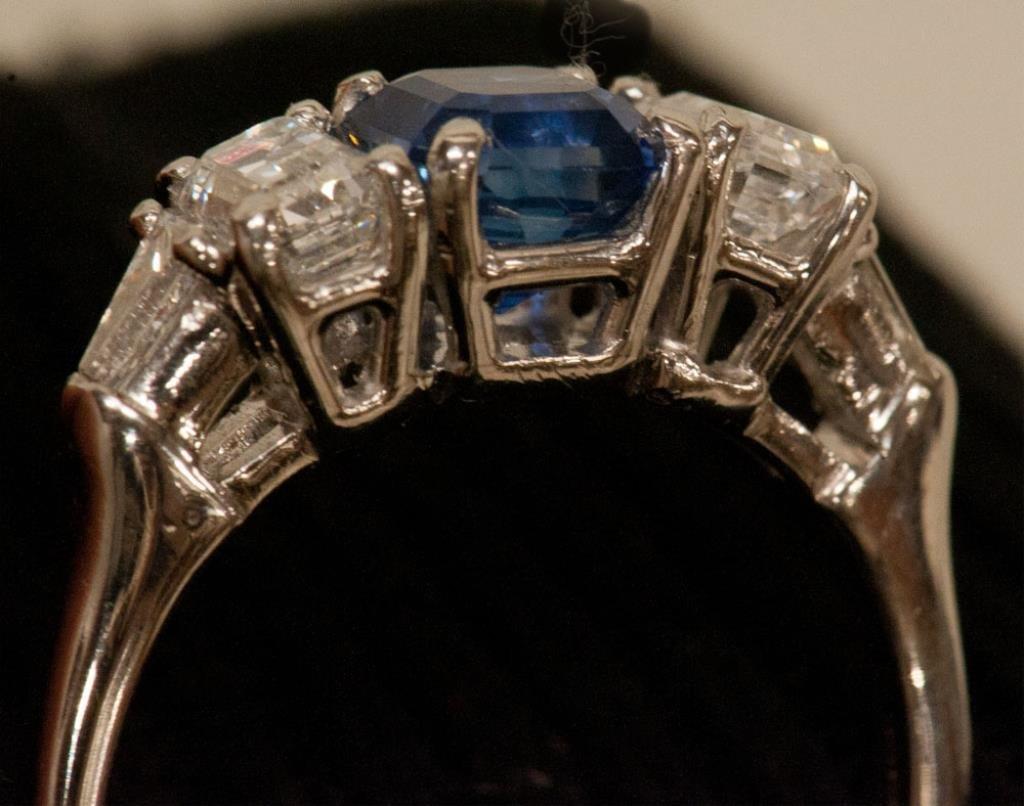 Platinum, Diamond & Sapphire Ring - 3