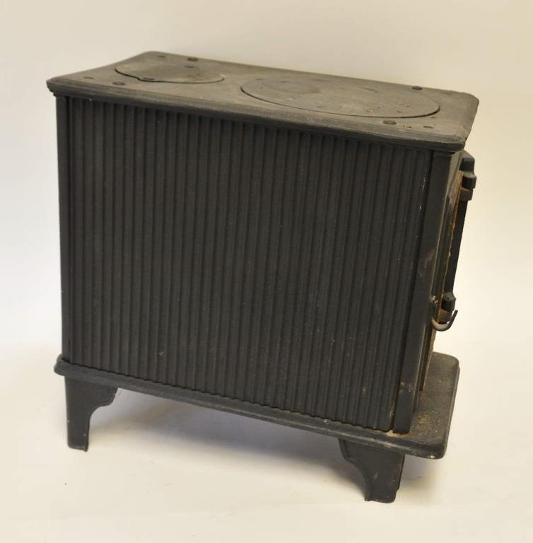 Glo-Fire Cast Iron Wood Stove - 6