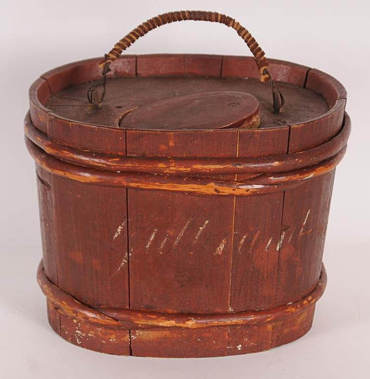Early Red Painted Minnow Bucket Oval wooden minnow