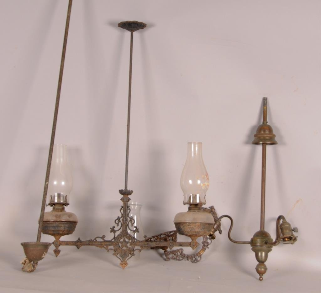 Assortment of Lighting & Lighting Fixtures