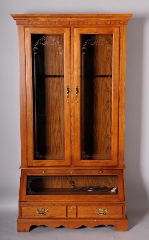 Lighted Gun Cabinet w/ Key
