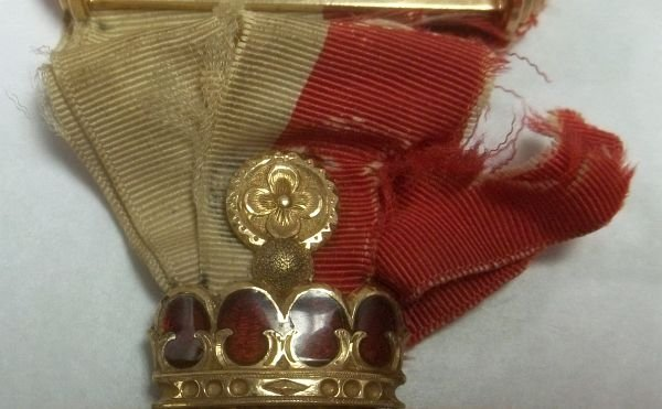 315: 14K Jeweled Odd Fellows Medal of Chivalry - 3