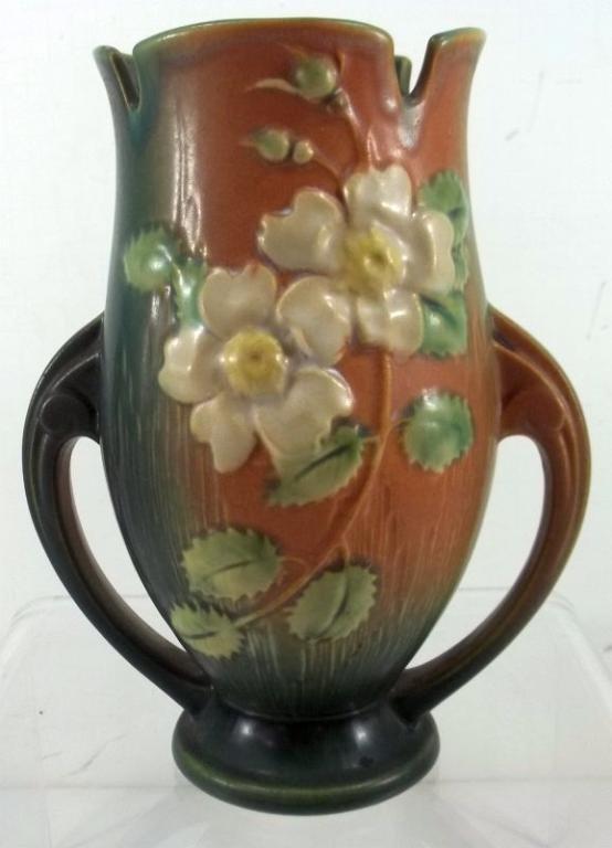 """Roseville """" White Rose"""" Vase #986-9"""