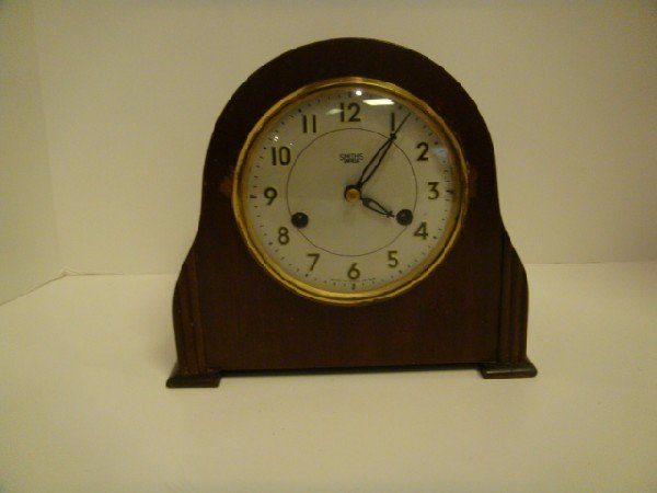 14: Smiths Enfield English Mantle Clock