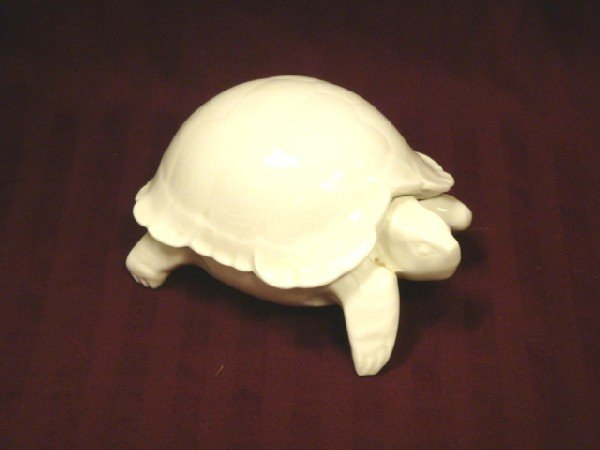 11: Chamart Limoges Turtle Ring Box